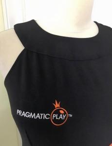 UniformeBucatari.ro - Rochie hostess la comanda personalizata cu logo brodat